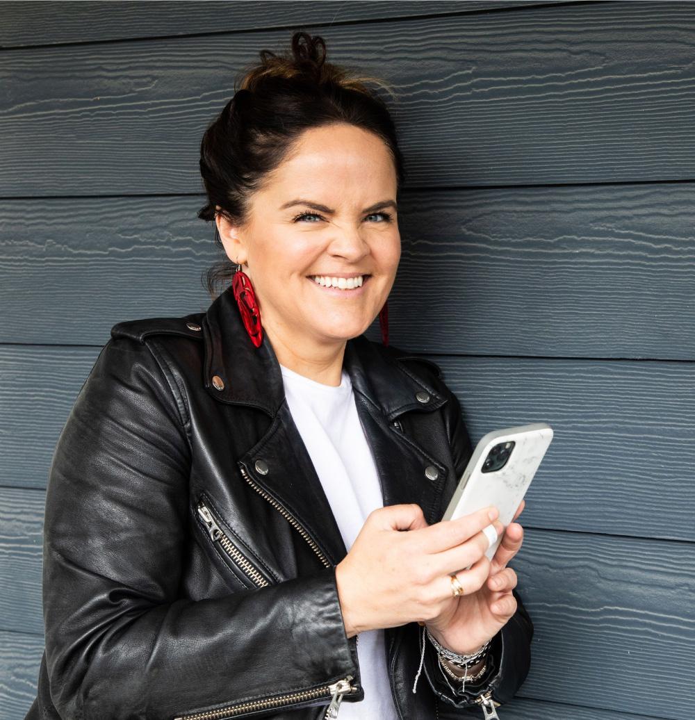 Social Media Training Coaching Deanna Wampler